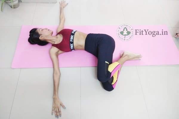 markatasana benefits in hindi